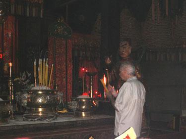 Derek offerin incense