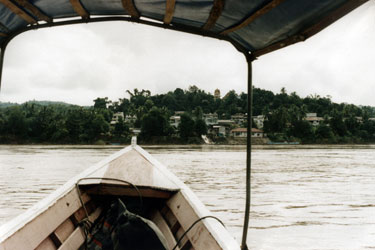 Crossing the Mekong from Thailand to Laos