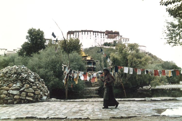 Pilgrim behind the Potala