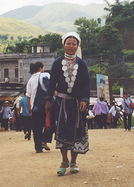 Hilltribe lady in market