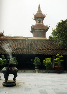 Kiep Bac temple grounds