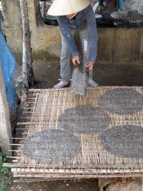 Making cassava wafers